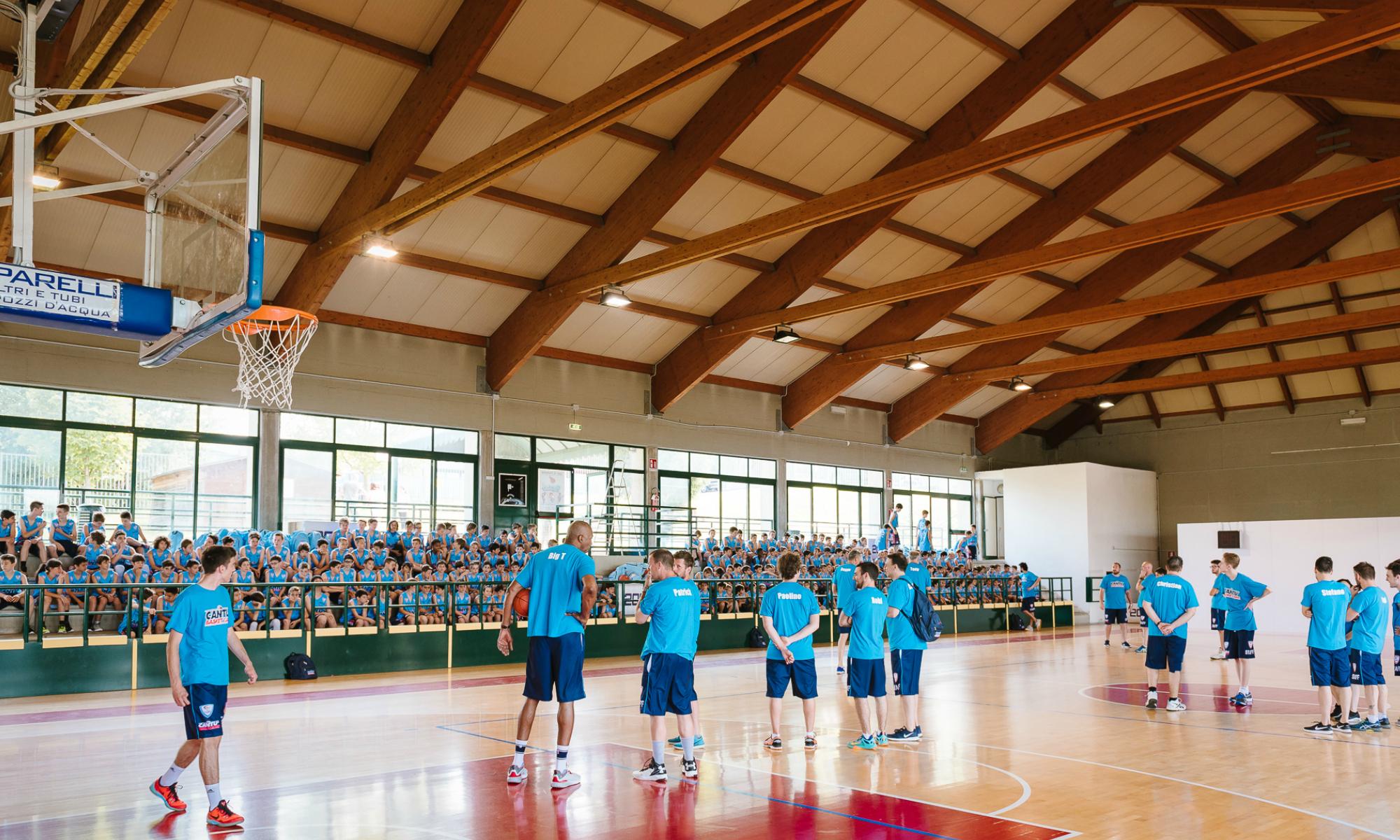 Le premiazioni del day camp al centro sportivo toto caimi for Centro sportivo le piscine